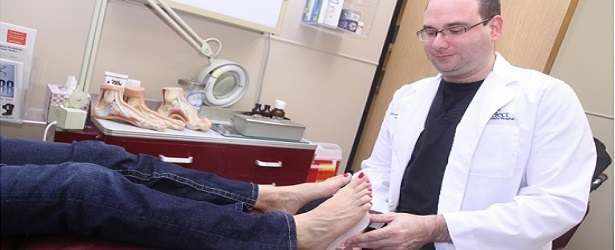 When You Need to Talk to a Doctor About Cracked Feet